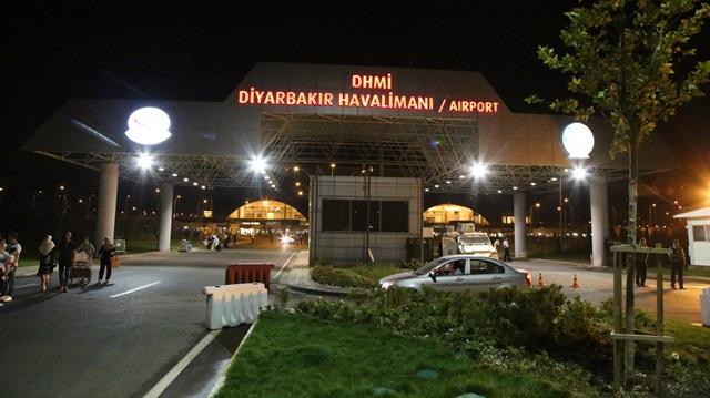 Diyarbakır Havalimanı'nda polise roketatarlı saldırı