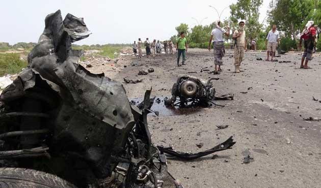 Yemen'de bombalı araçla saldırı: 60 ölü