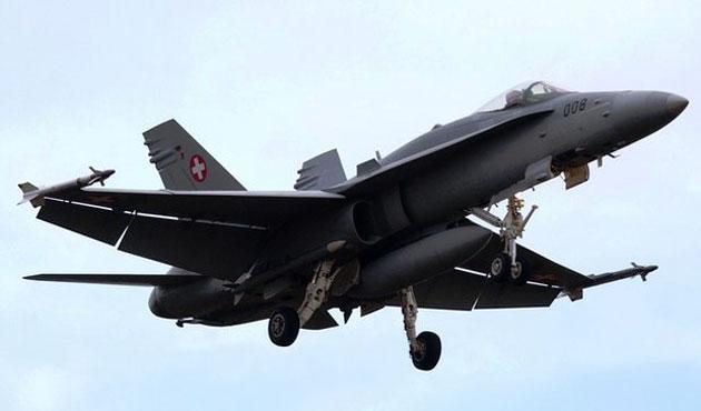 İsviçre'de savaş uçağı kayboldu
