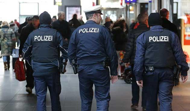 Almanya'daki okullarda terör alarmı
