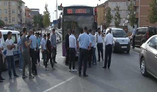 İstanbul'da halk otobüsüne silahlı saldırı