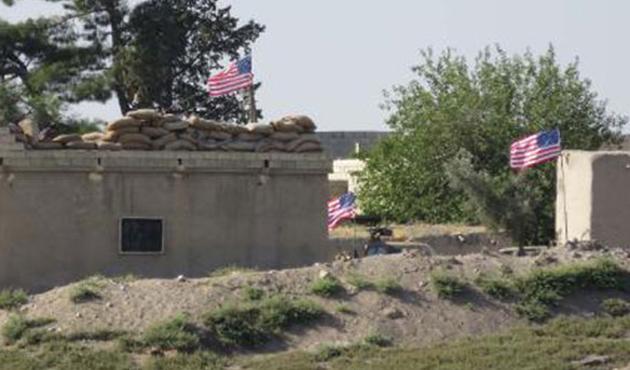 PYD'liler ABD bayrağını gümrük binasına da astılar