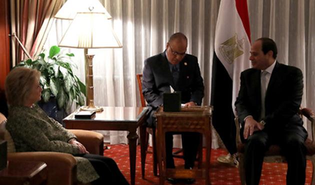 Sisi hem Clinton'la hem de Trump'la görüştü