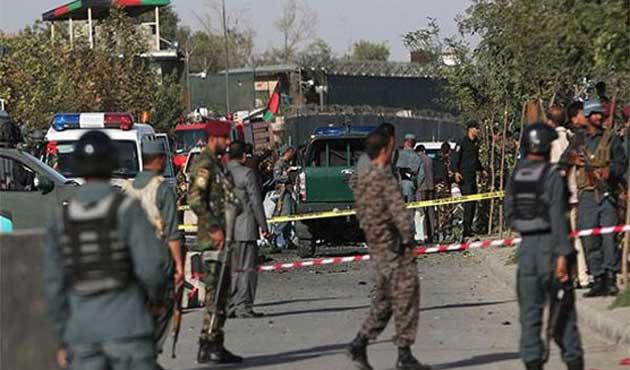 Afganistan'da Taliban karakola saldırdı