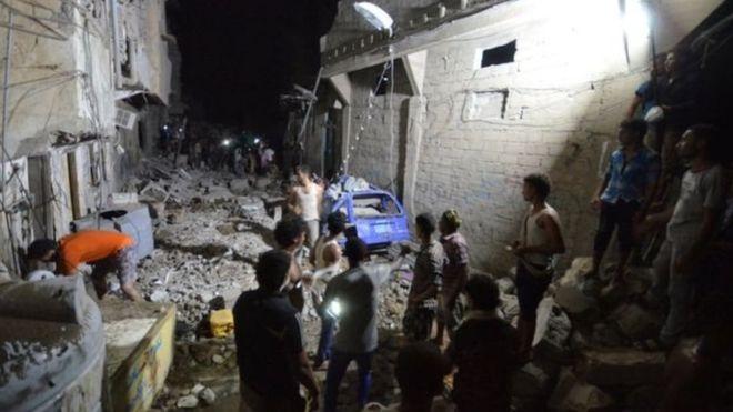 Koalisyon güçleri Yemen'i bombaladı: 25 ölü