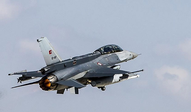 Ankara'daki askeri hava araçları naklediliyor