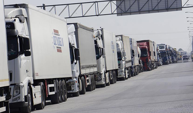 Kapıkule'deki TIR kuyrukları Türk ekonomisine sabotaj gibi