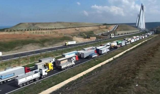 Yavuz Sultan Selim'deki çalışma trafiği kilitledi!