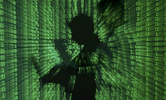 Twitter ve Facebook ABD polisine bilgi sızdırmış