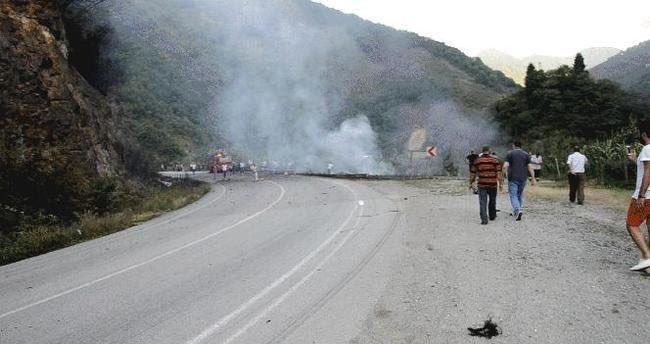 Antalya Kemer'de roketli saldırı