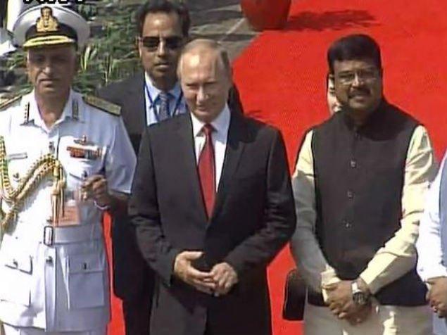 Putin BRICS zirvesi için Hindistan'da
