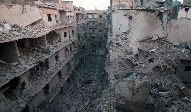 Esad rejiminden Halep'e ağır bombardıman