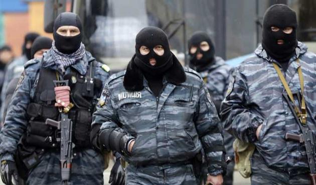 Rus polisi iki Özbeği öldürdü