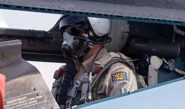 Suriye'yi bombalayan Rus pilotları deşifre ettiler