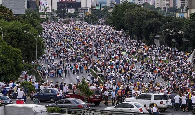 Venezuela'da Maduro karşıtı gösteriler