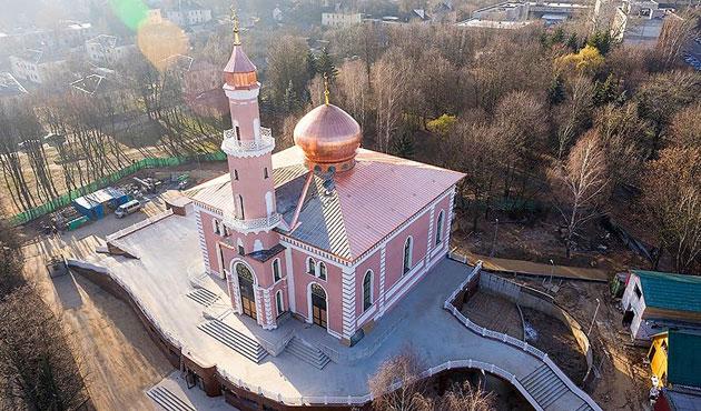 Sovyetlerin yıktığı cami yeniden inşa edildi