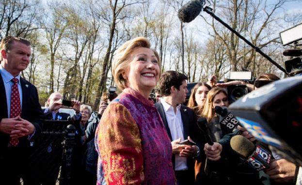 ABD'de seçim günü; adaylar oylarını New York'ta kullandı