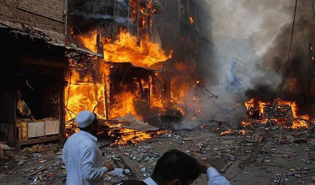 Pakistan'da türbeye intihar saldırısı: 45 ölü