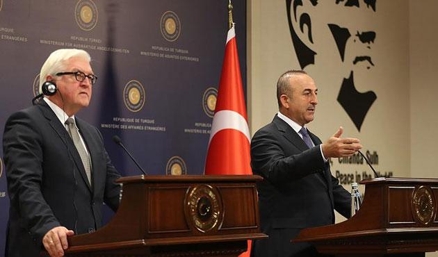 Çavuşoğlu: Sen kimsin de Türkiye'yi atıyorsun!