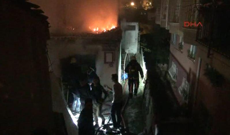 Gecekondu yangınında üç yaşındaki çocuk öldü