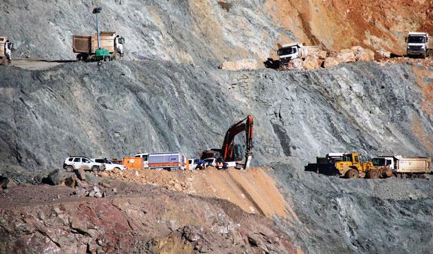 Siirt'te dokuz işçi hala göçük altında