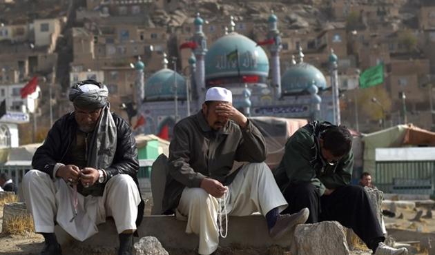 Afganistan'da ardarda patlama