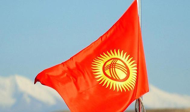 Kırgızistan'da cumhurbaşkanlığı yarışı üç eski başbakan arasında geçecek