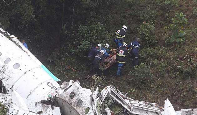Kolombiya'da düşen uçak Arjantinli futbolcuları da taşımış