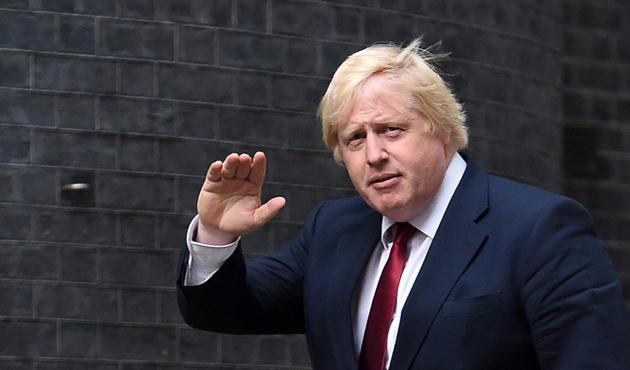 İngiltere Dışişleri Bakanı Johnson Kıbrıs'ta