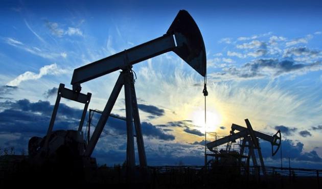 Kazakistan petrol üretimini azaltıyor