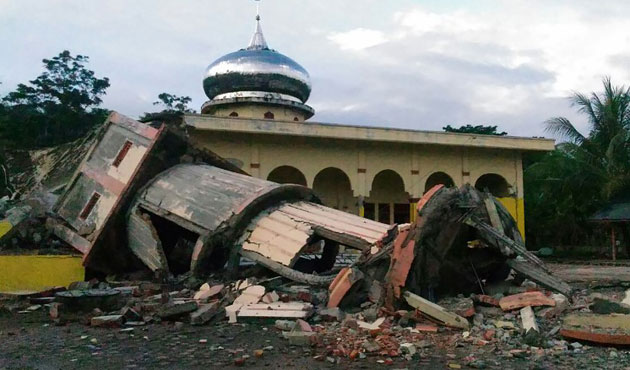 Açe'deki depremin bilançosu büyüyor