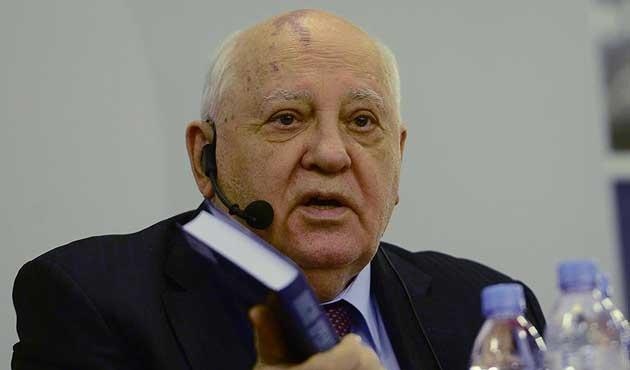 Gorbaçov'dan Batı'ya eleştiri