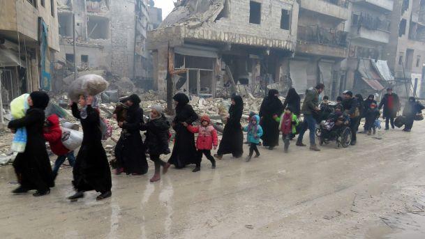 Halep'ten 24 saatte 6 bin 400 tahliye