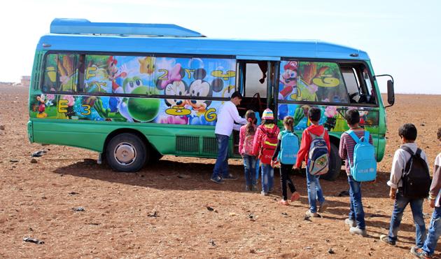 Suriye'de mobil okullar