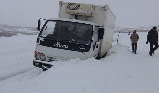 Bingöl'de 165 köy yolu ulaşıma kapandı