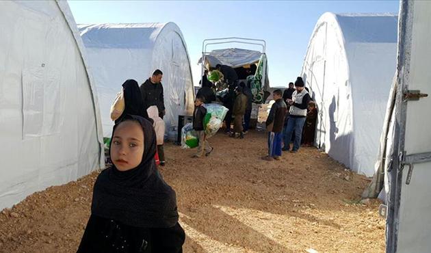 Humuslu çocuklar çadır kentte eğitime başladı