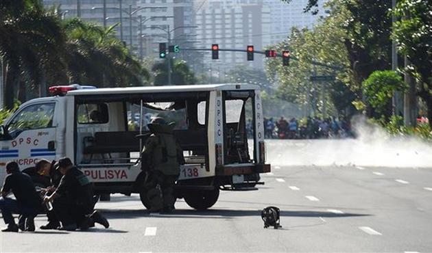 Filipinler'de bombalı saldırı: 33 yaralı