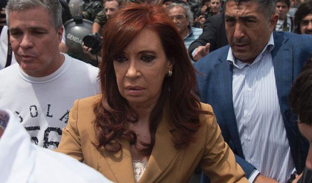 Arjantin'in eski devlet başkanına 'bombalı saldırı' suçlaması