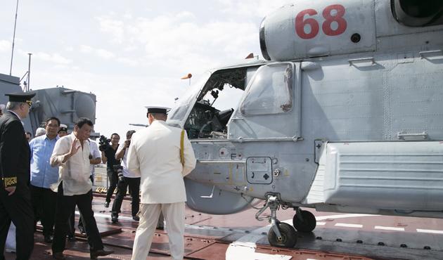 Duterte Rus savaş gemilerini ziyaret etti