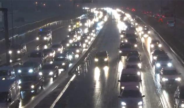 İstanbul'da beklenen etkili kar başladı