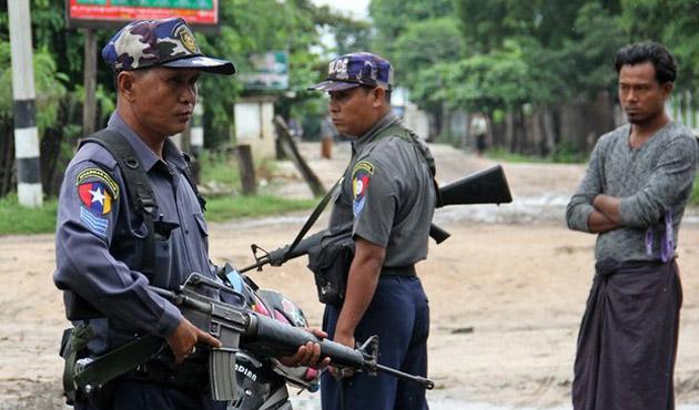 Myanmar'da Arakanlı Müslümanları döven polislere gözaltı