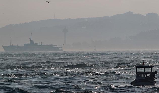 İstanbul Boğazı gemilere kapatıldı