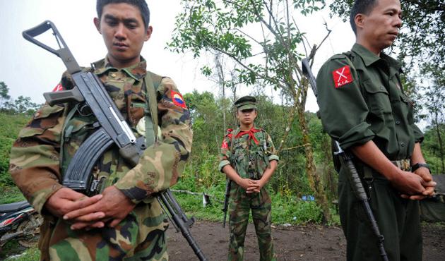 Myanmar'da polis karakoluna saldırı: 12 ölü