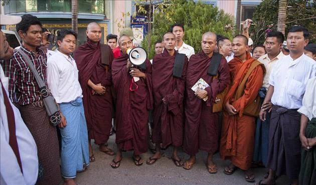 Myanmar'da Budistler Müslümanların etkinliğini engelledi