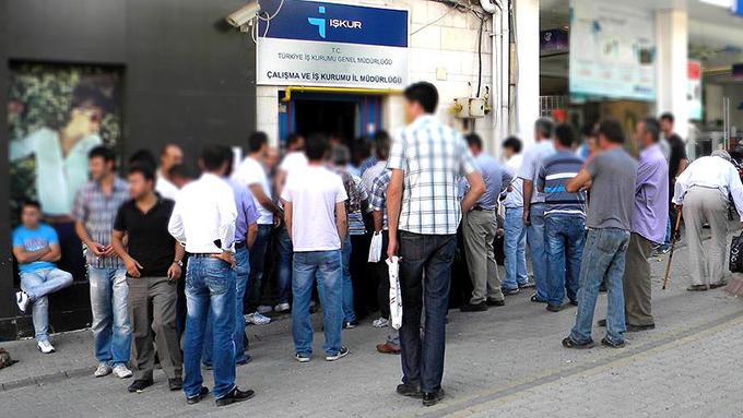 Ekim ayında işsiz sayısı 500 bin kişi arttı