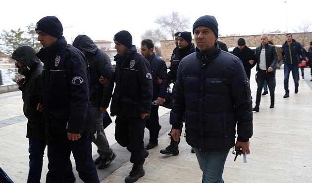 Nevşehir merkezli FETÖ soruşturmasında 20 polis adliyede