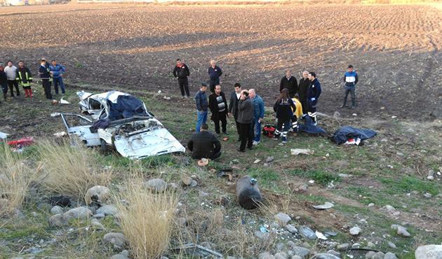 Osmaniye'de ambulans otomobille çarpıştı: 4 ölü