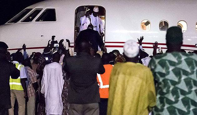 Seçimleri kaybeden Jammeh Gambiya'dan ayrıldı