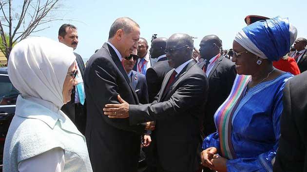 Erdoğan, Tanzanya'da resmi törenle karşılandı | VİDEO