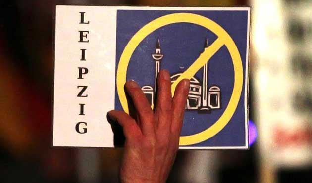 Avrupa'nın İslam karşıtlığı için her zaman bir bahanesi var